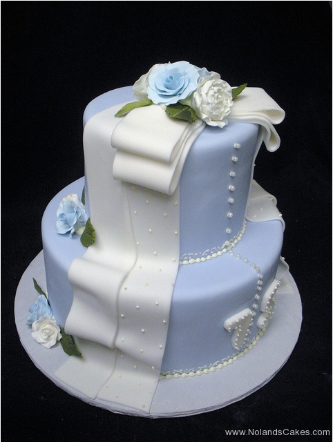 273, 75th birthday, seventy fifth birthday, flower, flowers, white, blue, tiered, button, buttons, dress, bow, ribbon