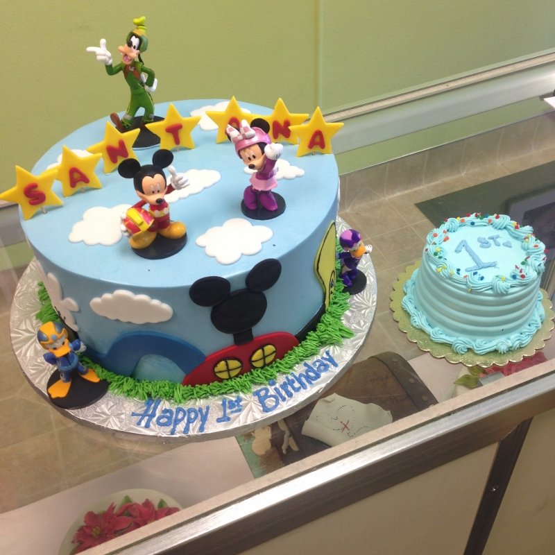 2038, first birthday, 1st birthday, mickey mouse, mickey, disney, goofy, daisy, donald, duck, race, blue, red, star, stars, ears, smash cake