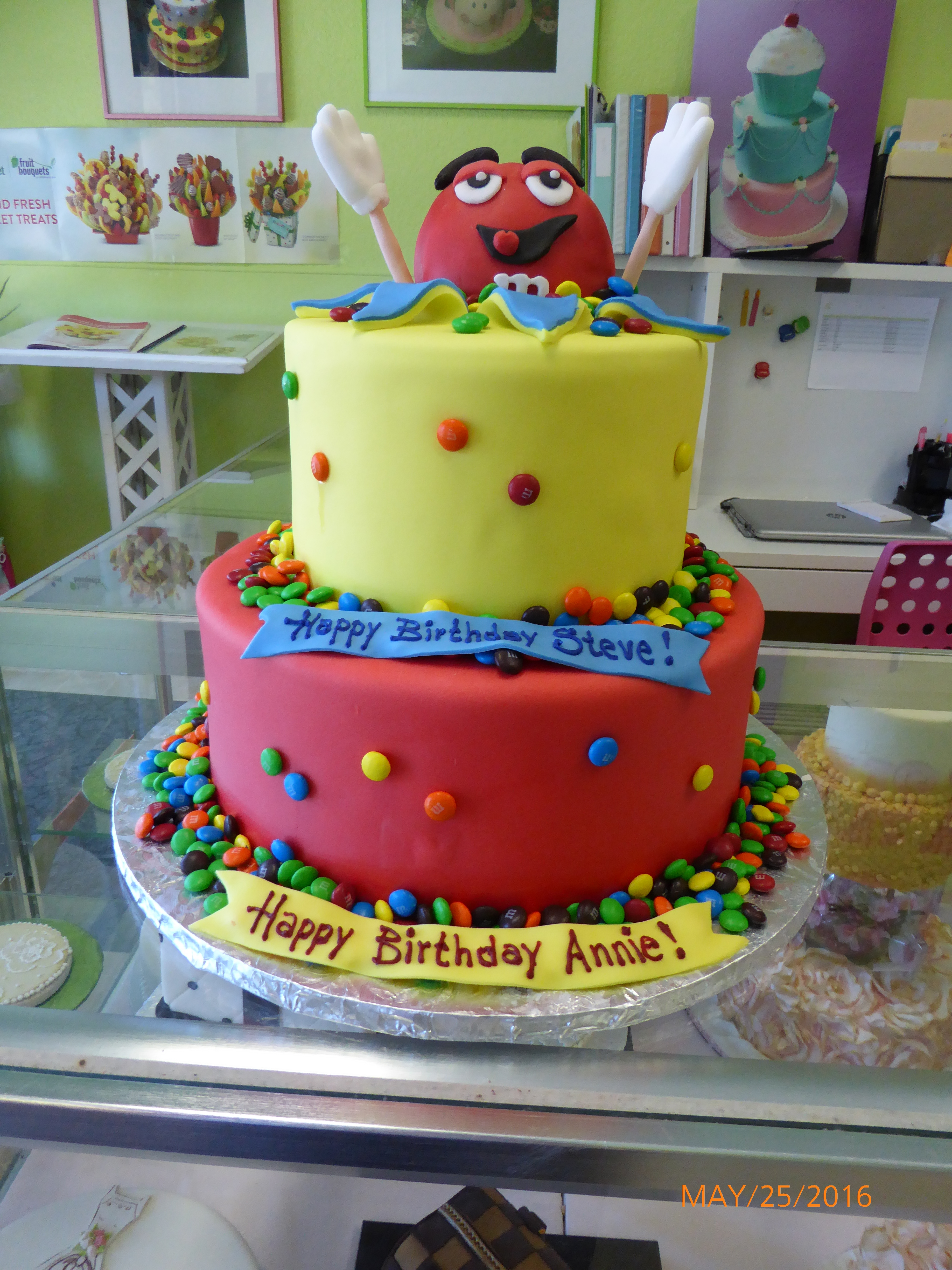 3007, birthday, m&ms, red, yellow, figure, tiered
