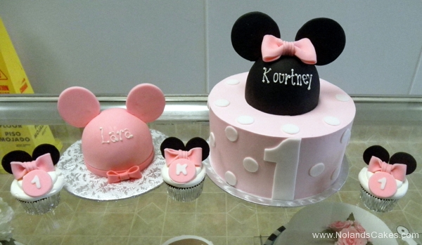 2159, first birthday, 1st birthday, disney, mickey mouse, bow, bows, minnie mouse, ears, pink, black, white, dots, dot, cupcakes