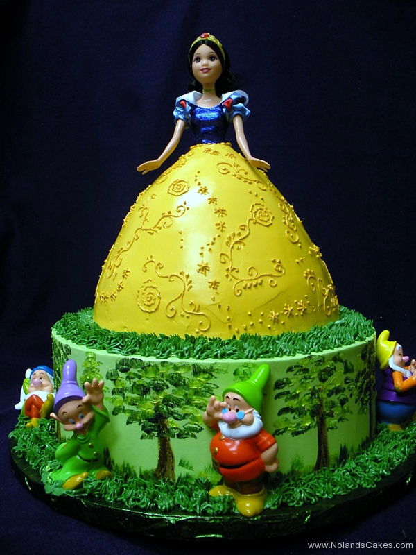 2353, birthday, barbie, barbie cake, snow white, dwarves, yellow, green, blue, trees, tree, dress, disney, disney princess, carved