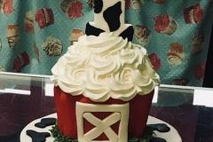 3131, first birthday, barn, farm, red, white, cow, cupcake, carved