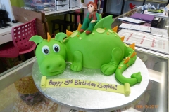 3039, 3rd birthday, third birthday, how to train your dragon, dragon, hiccup, figure, green, carved, figure, figures
