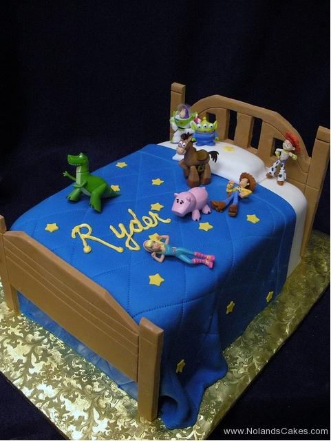 2435, birthday, toy stroy, bed, andy, woody, buzz, rex, jessie, hamm, blue, brown, pixar