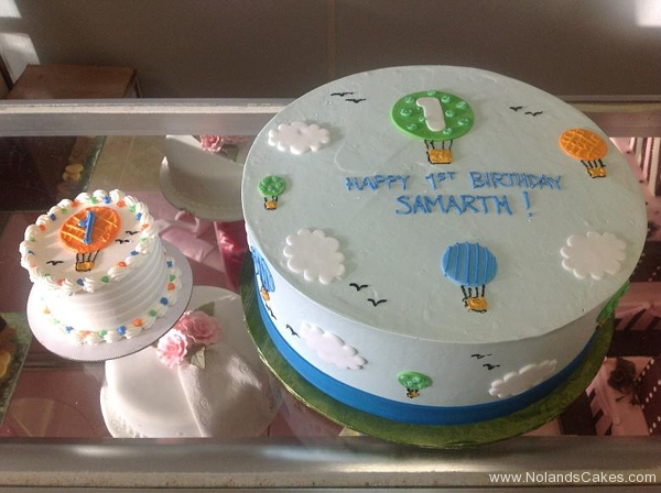 125, 1st birthday, first birthday, hot air balloons, hot air balloon, smash cake, sky, clouds, blue, birthday