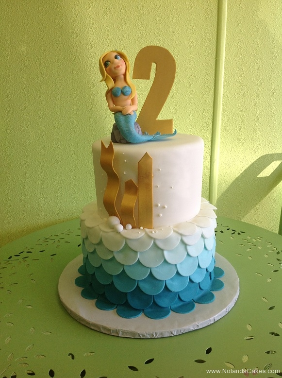 323, second birthday, 2nd birthday, mermaid, tiered, blue, white, ombre, gold, ocean, beach, scale, scales, pearl, pearls