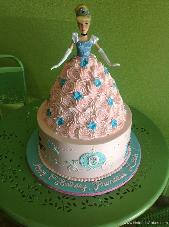 368, birthday, 1st birthday, first birthday, barbie cake, barbie, cinderella, disney, princess, pink, blue, flower, flowers, carved