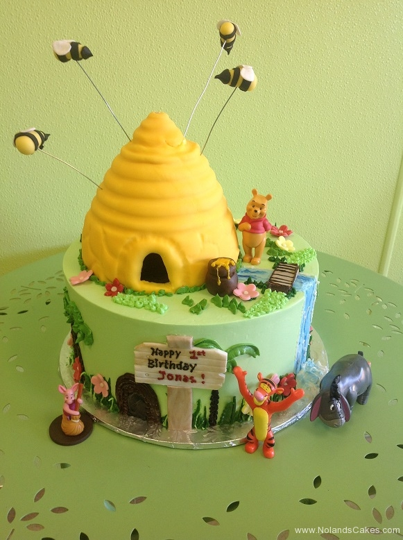 498, first birthday, 1st birthday, pooh, winnie the pooh, disney, tigger, eeyore, piglet, honey,  bee, forest, green, yellow
