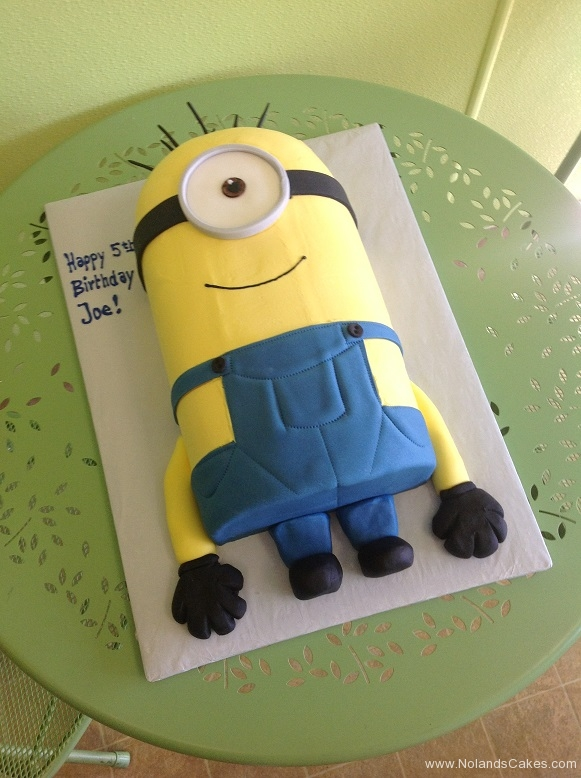 939, 5th birthday, fifth birthday, minion, minions, despicable me, yellow, blue, black, carved