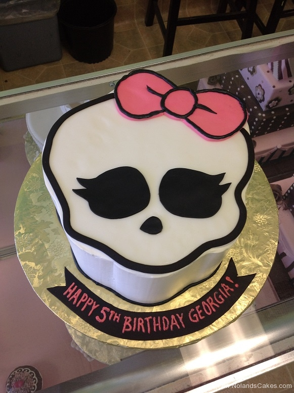 871, 5th birthday, fifth birthday, skull, bow, pink, white, black