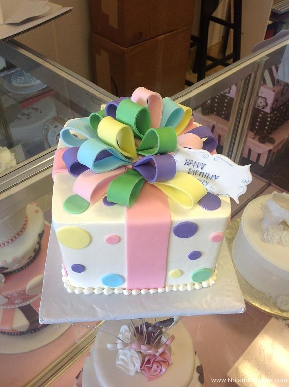 1186, birthday, gift, present, wrapped, bow, bows, dot, dots, pastel,