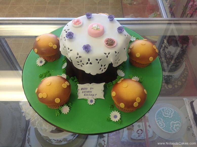 1407, fourth birthday, 4th birthday, tea, mushroom, forest, lunch, lace, green, white, pink purple