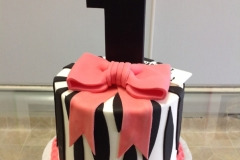 138, 1st birthday, first birthday, birthday, pink, black, white, tiger stripes, tiger, bow