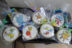 3193, cookies, dr seuss, round,  green eggs and ham, sam I am, how the grinch stole christmas, cindy lou who, horton, horton hears a who, one fish two fish red fish blue fish, grinch,  thing 1 and thing 2, thing one and thing two