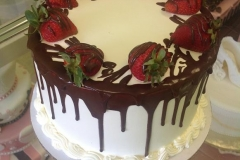 836, drip, drizzle, brown, chocolate, glaze, white, strawberries